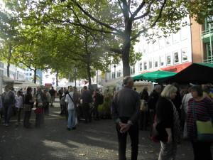 Ständeplatz macht seinem Namen mal Ehre: Markt- statt Parkplatz